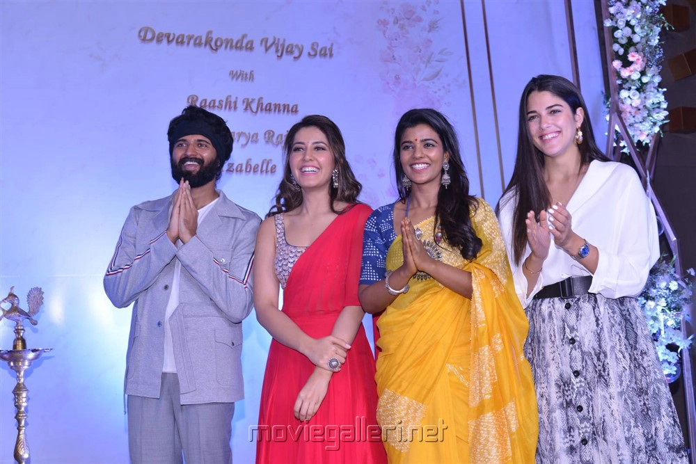 Vijay Devarakonda, Raashi Khanna, Aishwarya Rajesh, Izabelle Leite @ Creative Commercials Production No 46 Movie Launch Stills