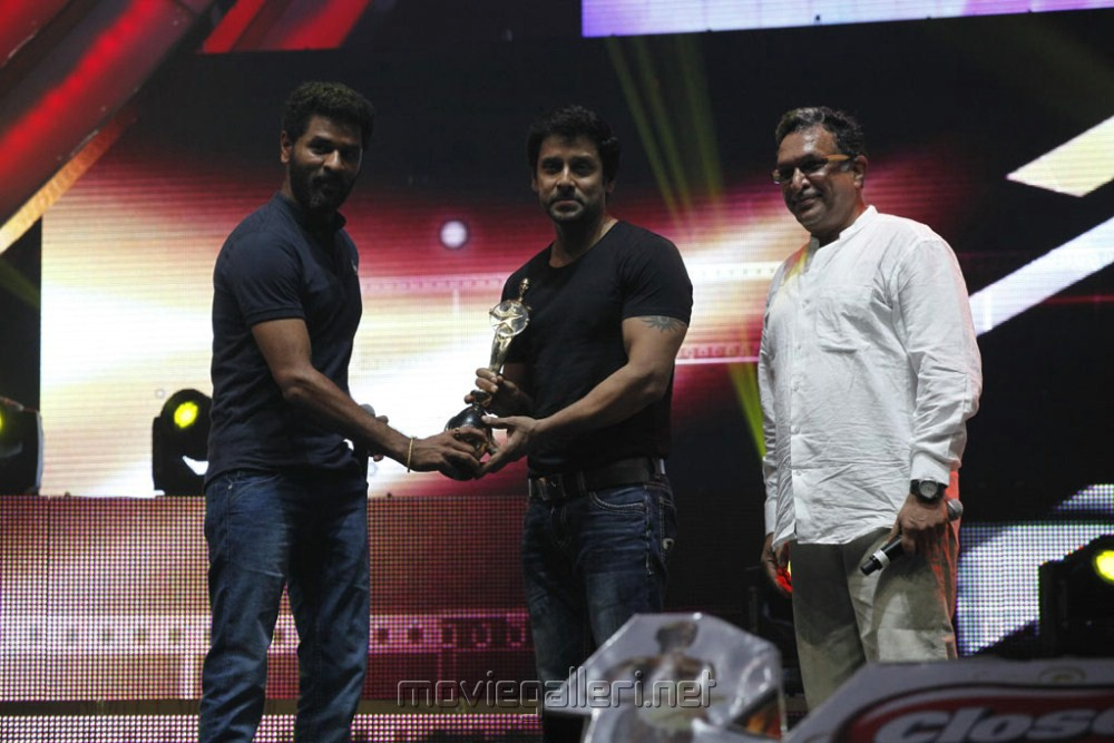 Prabhu Deva, Vikram, Nassar at Vijay TV Awards 2012 Stills