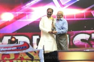 Vairamuthu, K. Balachander at Vijay Awards 2012 Stills