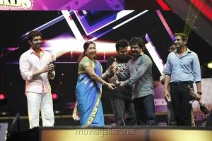 Kovai Sarala at Vijay Awards 2012 Stills