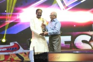 Vairamuthu, K. Balachander at Vijay TV Awards 2012 Stills