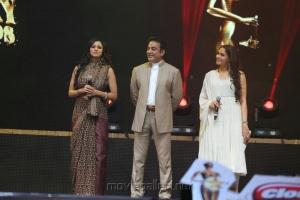 Pooja Kumar, Kamal, Andrea at Vijay Awards 2012 Stills
