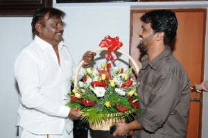 Tamil Director Actor Cheran Congratulated Vijayakanth Pictures Images
