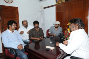 Vijay, Ameer, Cheran Congratulated Vijayakanth Pictures Images