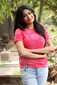 Tamil Actress Vijayalakshmi Stills @ Pandigai Press Meet