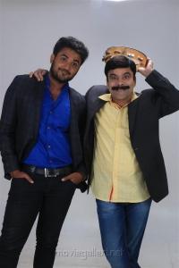 Yuvan, Powerstar Srinivasan in Vilayattu Aarambam Movie Stills