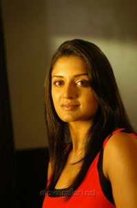 Tamil Actress Vimala Raman Cute Pics