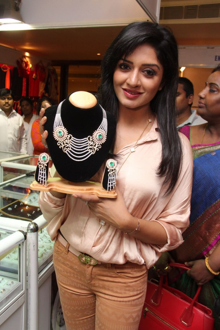 Vimala Raman launches Trendz Life Style Exhibition Stills
