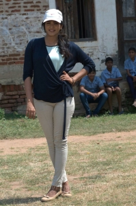 Actress Heebah Patel in Vinnaithandi Vantha Angel Movie Stills