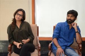 Soundarya Rajinikanth, Dhanush @ VIP 2 Team Interview Photos