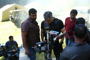 Siva, Ajith @ Vivegam Movie Shooting Stills HD