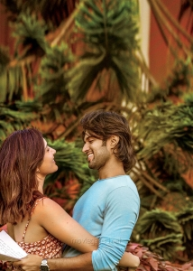 Raashi Khanna, Vijay Devarakonda in World Famous Lover Movie HD Pics