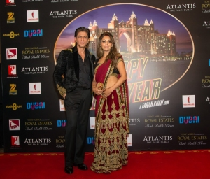 Shah Rukh Khan, Gauri Khan @ World Premiere of Happy New Year in Dubai