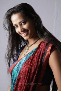 Actress Sanjana Singh at Yaarukku Theriyum Movie Stills