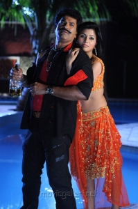 Charan Raj, Aarthi Puri in Yadartha Prema Katha Movie Stills