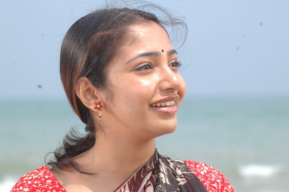 Actress Maya Unni In Ari Yadhavan Puri