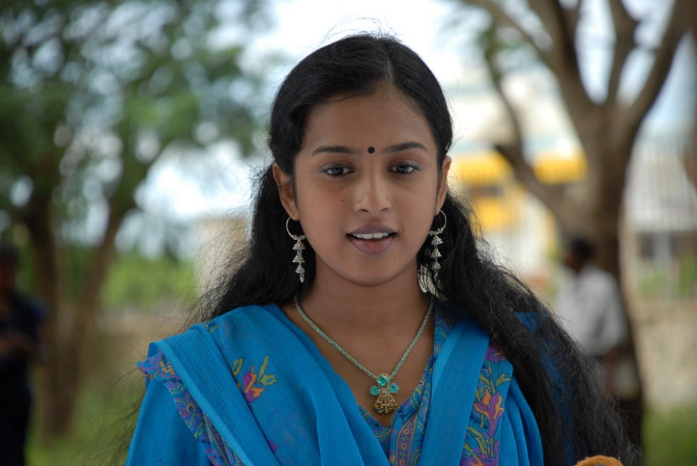 Actress Unnimaya In Ari Yadhavan Puri