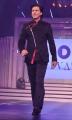 Shah Rukh Khan @ Yash Chopra 81st Birthday Tribute Fashion Show Photos