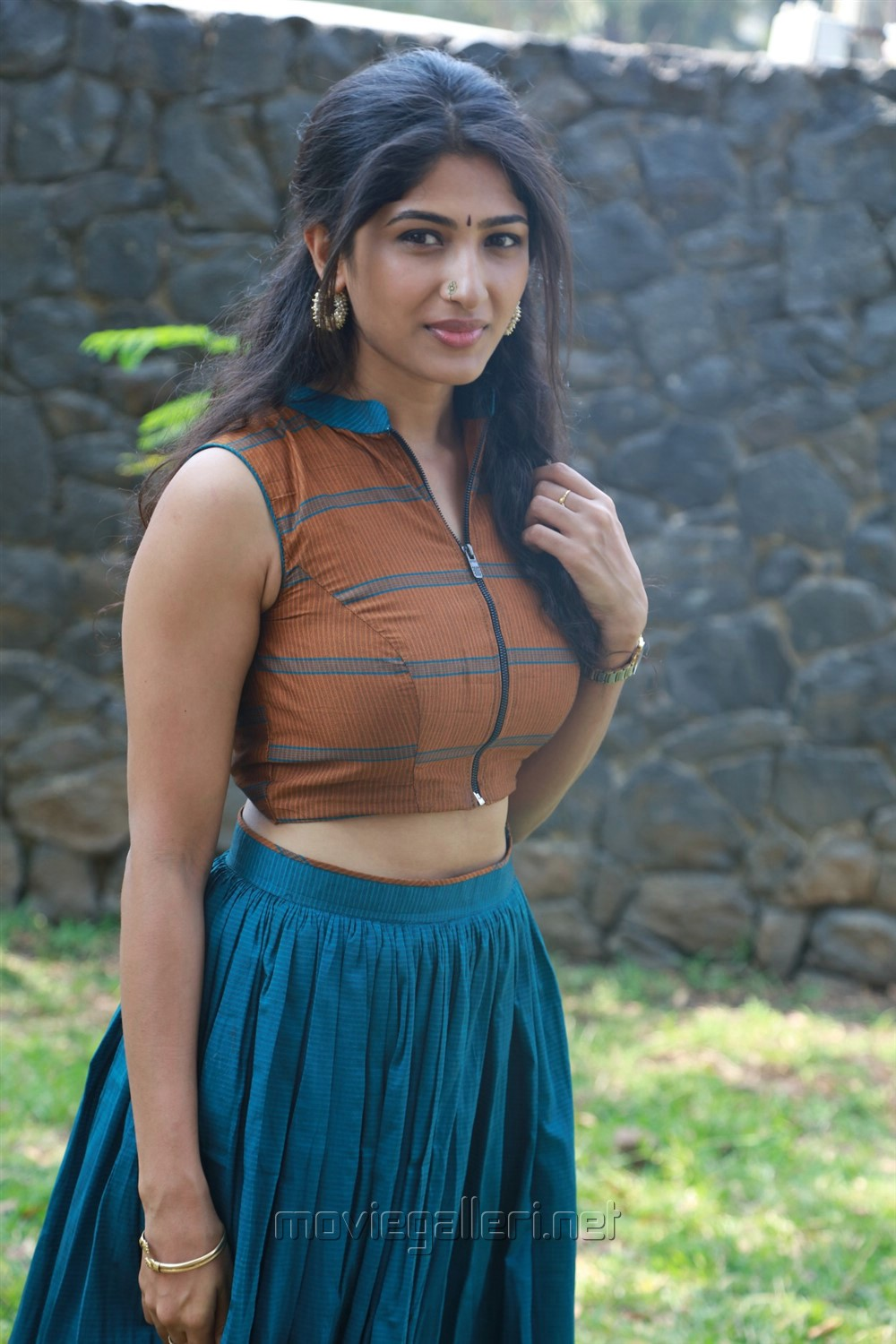 Actress Roshni Prakash @ Yemaali Movie Press Meet Stills