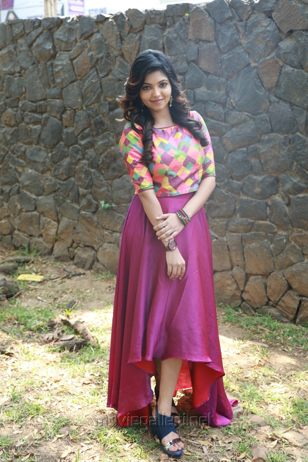 Actress Athulya Ravi @ Yemaali Movie Press Meet Stills