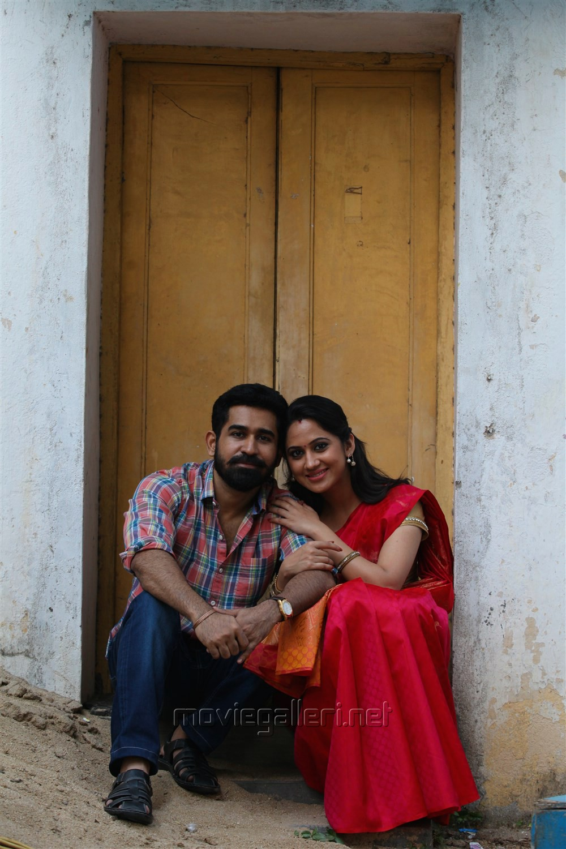 Vijay Antony, Miya George in Yeman Movie Images