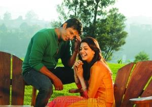 Jiiva, Kajal Aggarwal in Yenthavaraku Ee Prema Movie Stills