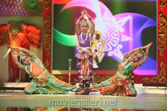 Zee Telugu Kutumbam Awards 2012 Function Stills