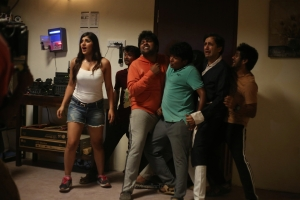 Yashika Anand, Gopi, Sudhakar, TM Karthik, Anbu Thaasan, Bijili Ramesh in Zombie Tamil Movie Stills HD