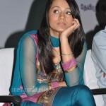 Trisha @ Manmadhan Ambu Launch Stills
