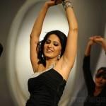 Anushka @ Khaleja Movie Pictures, Anushka Hot Khaleja strills, Photos