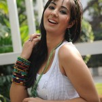 Sakshi Gulati Latest Cute Stills, Sakshi Gulati New Photo Gallery