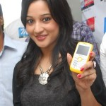 Ritu Barmecha at Mee Mobiles Shop No 3 Launch