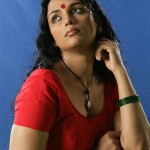 Swetha Menon Hot in Saree @ Thaaram Movie