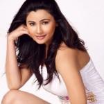 Daisy Shah Hot Photo Shoot Gallery