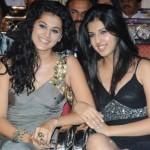 Tapasee Pannu, Shagun Pannu @ Lux Sandal Cinemaa Awards 2011