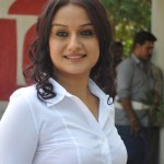 Sonia Agarwal Pictures @ Oru Nadigayin Vakku Moolam Movie Launch