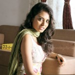 Mandhira Punnagai Actress Meenakshi Stills