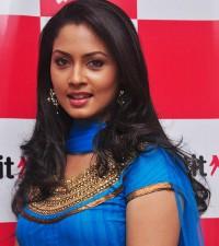 Pooja Umashankar New Pics Tamil Actress Pooja New Stills   New Movie Posters