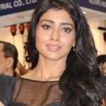 Shriya Saran New Hot Pics