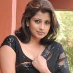 Nadeesha Hemamali Hot Saree Photos