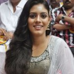 Actress Iniya New Stills