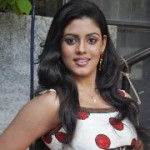 Iniya Cute Photoshoot Gallery