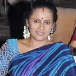 Lakshmi Ramakrishnan Saree Stills