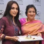 Aishwarya Dhanush Latha Rajinikanth at NAC Jewellers