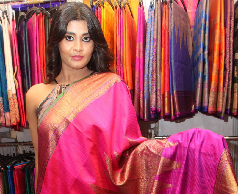 Harini launches Fashion Unlimited - A Lifestyle Exhibition in Hyderabad