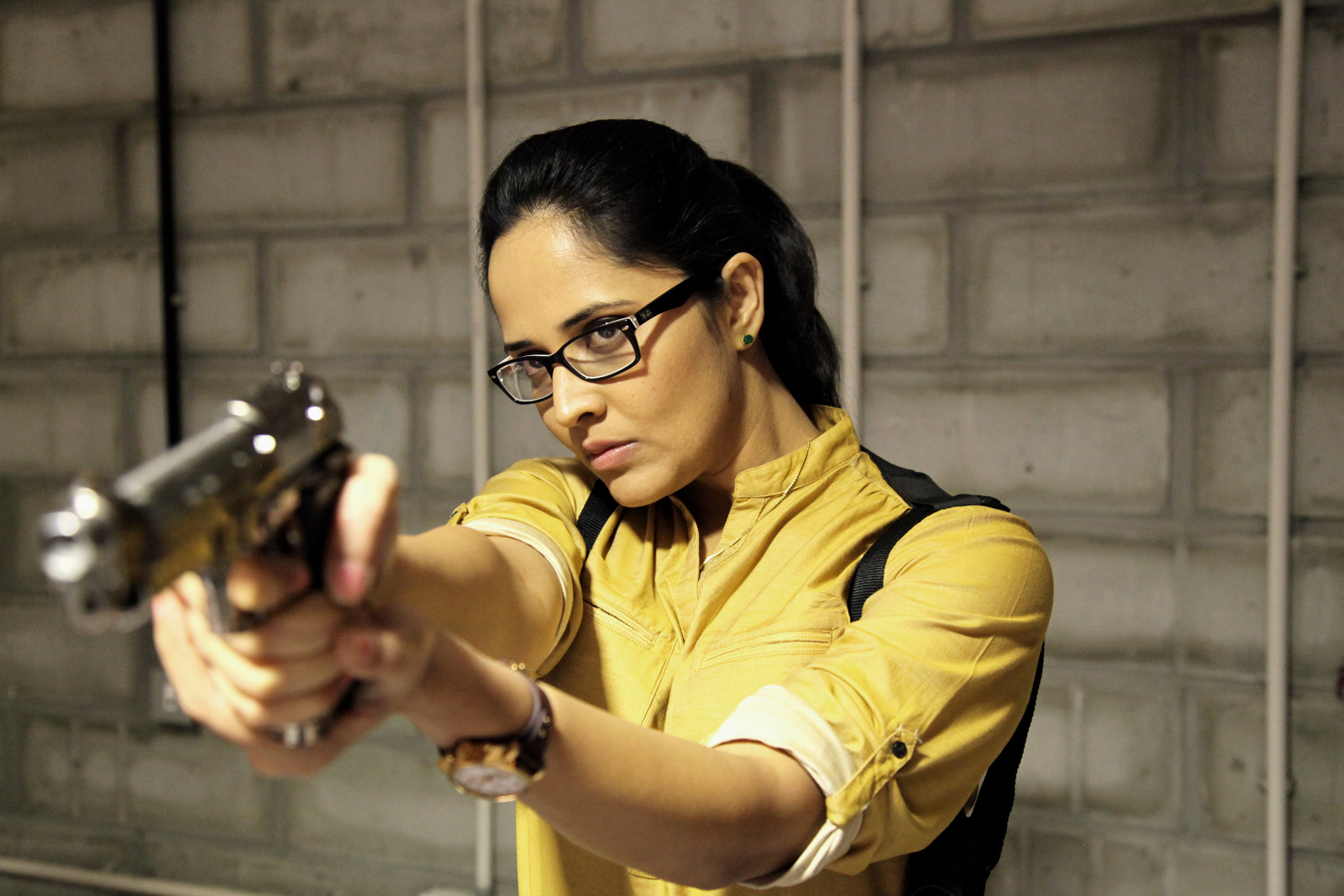 Actress Anasuya Bharadwaj First Look in Kshanam Movie