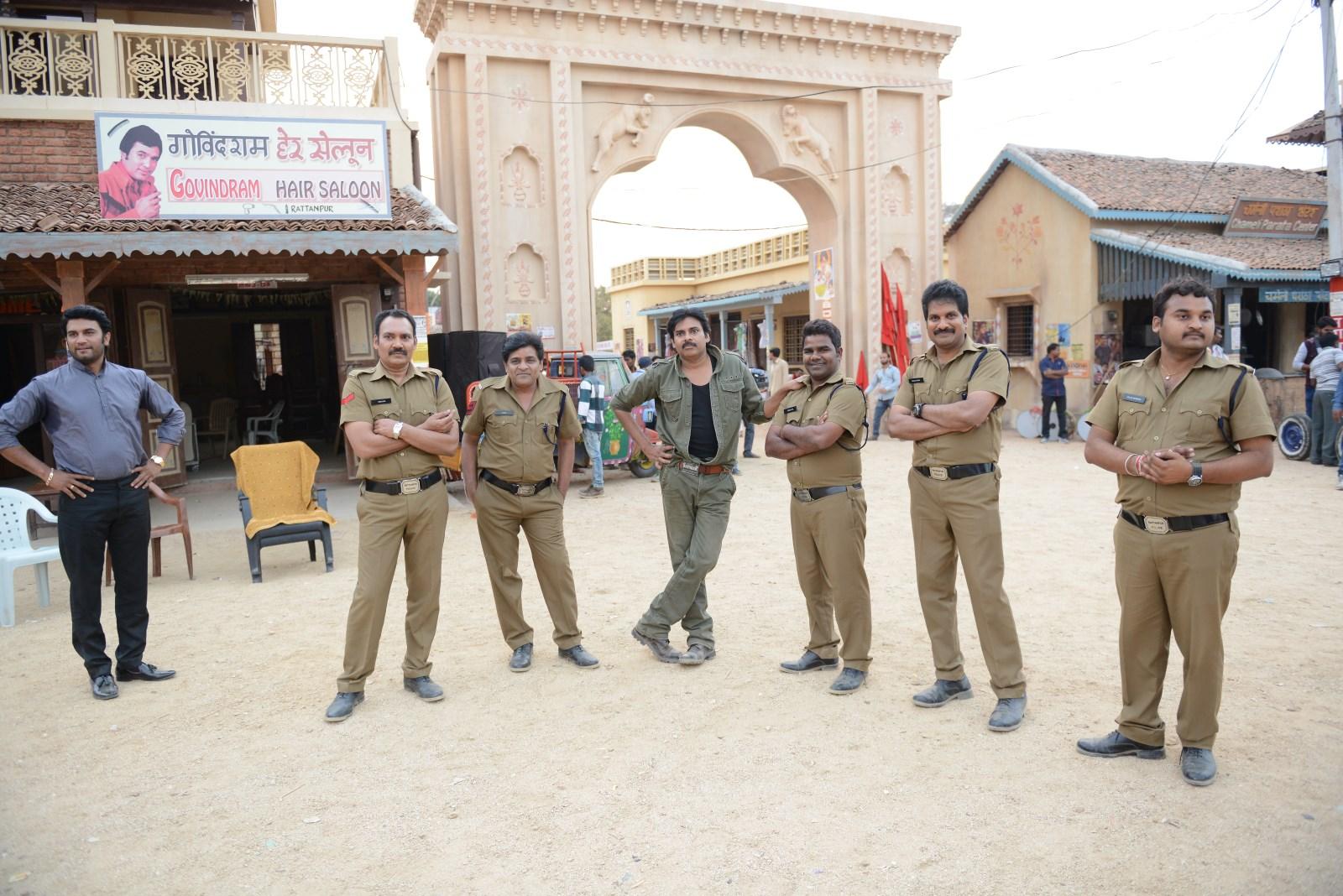 Govindram Saloon Turns Pawan's Meeting Place (1)