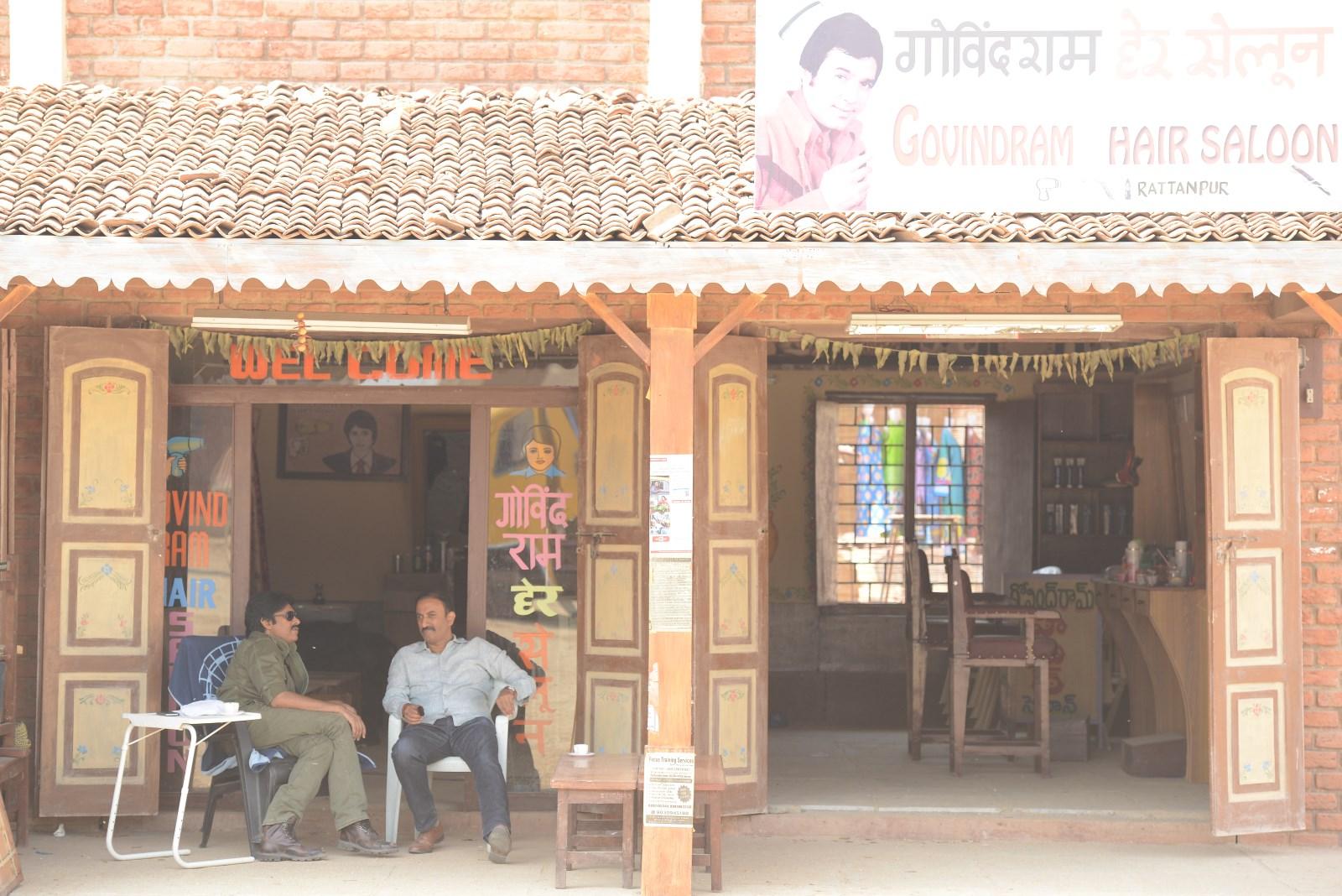 Govindram Saloon Turns Pawan's Meeting Place (2)