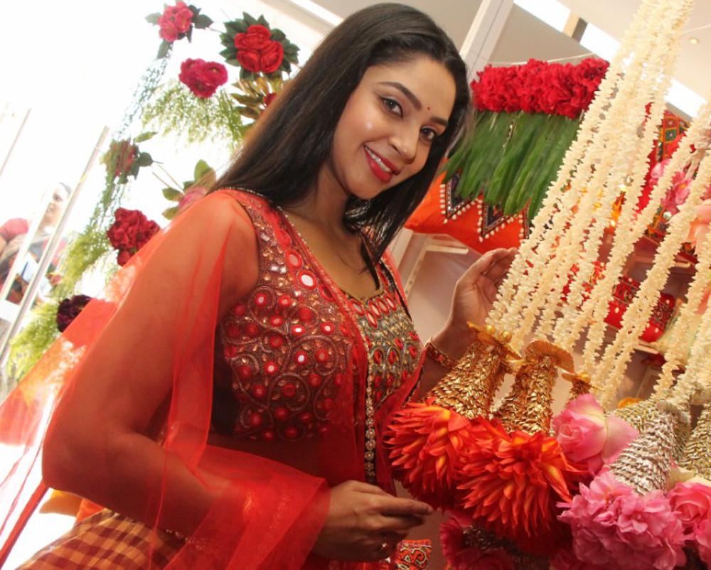 Angana Roy inaugurates Hi-Life Exhibition and Sale, Hyderabad