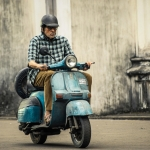 Amitabh's Scooter in TE3N worth Rs 1 Crore!